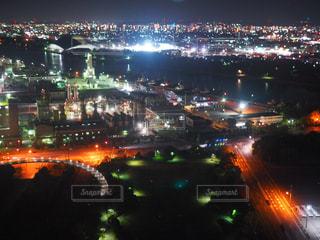 夜の街の景色の写真・画像素材[1051245]