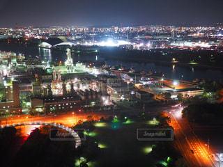 夜の街の景色の写真・画像素材[1051254]