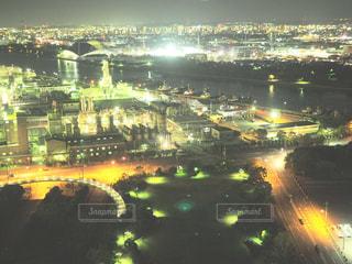夜の街の景色の写真・画像素材[1051255]
