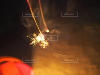 火のぼやけた写真の写真・画像素材[1308171]