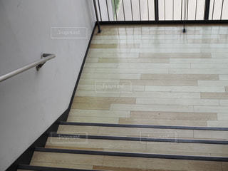 タイル張りの床のビューの写真・画像素材[1468250]