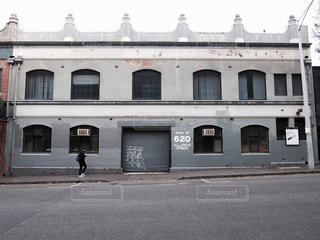 大きな白い建物 - No.709065
