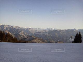 雪に覆われた山 - No.710593