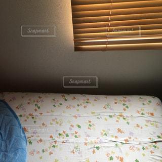 部屋で作られたベッド - No.710595