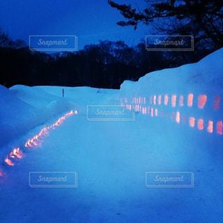 雪まつりのキャンドルの灯り - No.852112