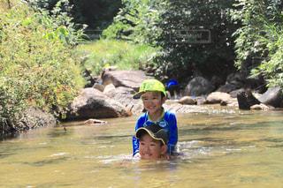 水のプールの女の子の写真・画像素材[710626]