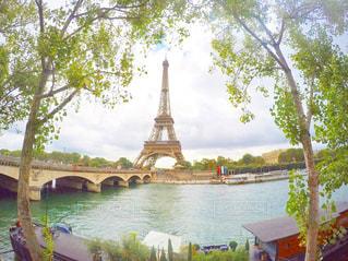 水の体の上の橋の写真・画像素材[714263]