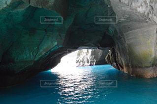 水の洞窟の写真・画像素材[714526]