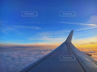 近くに空には雲の上の写真・画像素材[738815]