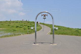 道の端に署名しているポール - No.792743