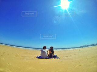 海辺でchillの写真・画像素材[710981]