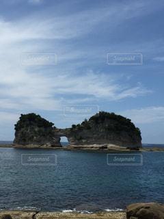円月島と空の写真・画像素材[712437]