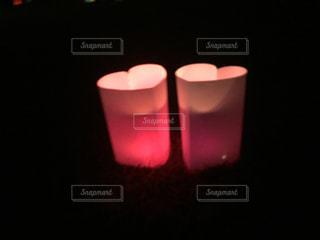 祈りの灯の写真・画像素材[2373739]