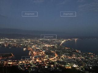 夜の街の景色の写真・画像素材[713040]