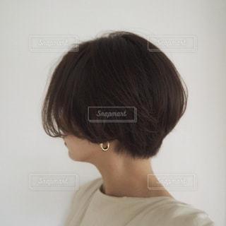 ショートヘアスタイルの写真・画像素材[2414391]