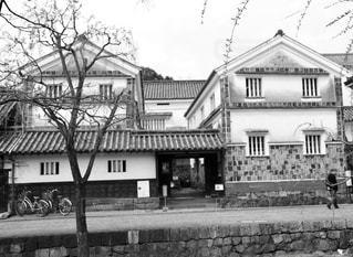 大きな白い家の写真・画像素材[732280]