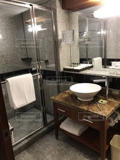 洗面台、鏡、バスルーム エリアの写真・画像素材[919648]
