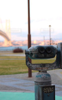 双眼鏡と橋の写真・画像素材[1009845]