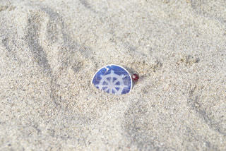 砂の上の忘れ物の写真・画像素材[1032201]