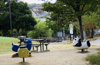 公園のスプリング遊具の写真・画像素材[1065382]
