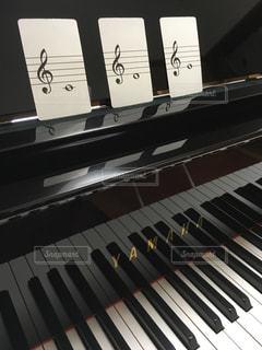 近くにピアノのの写真・画像素材[715798]