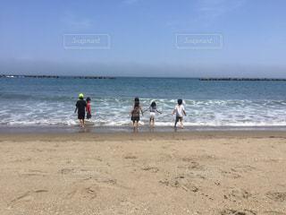 ビーチの人々 のグループの写真・画像素材[724308]
