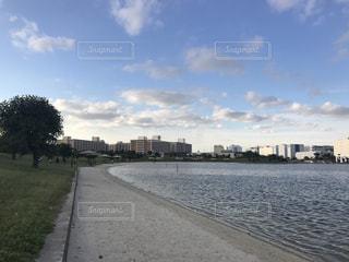 都市を流れる川の写真・画像素材[794921]