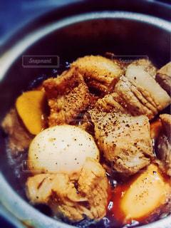 豚の角煮、たまご入りの写真・画像素材[1042011]