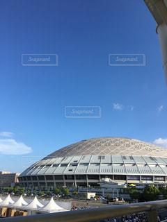 大きな白い建物とスタジアムの写真・画像素材[720128]
