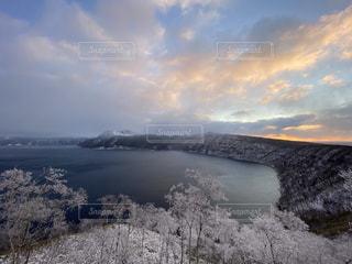 霧氷の摩周湖の写真・画像素材[2932847]