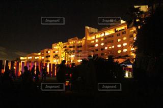 夜のホテルの写真・画像素材[722852]