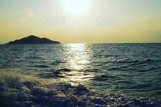 海に沈む太陽の写真・画像素材[1664761]