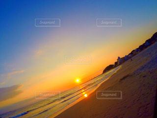 海に沈む夕日の写真・画像素材[721369]