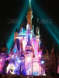 夜のライトアップされた城の写真・画像素材[721397]