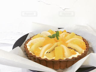 皿の上のケーキのスライスの写真・画像素材[721848]