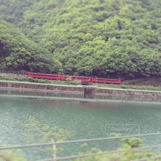 赤い列車の写真・画像素材[741637]