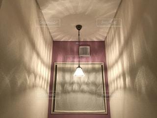 トイレの照明の写真・画像素材[2409823]