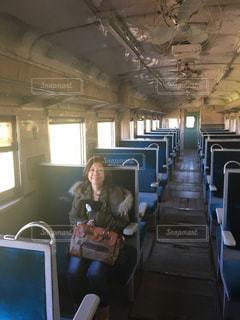 レトロ電車で一人旅。の写真・画像素材[761048]