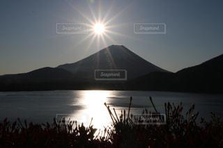 富士山と日の出!の写真・画像素材[2771158]
