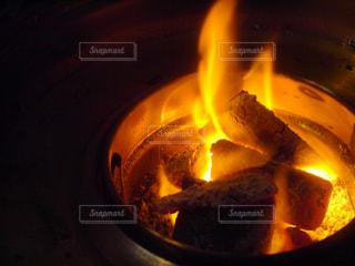 炭と火のアップ - No.730576