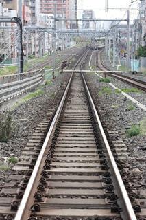 遠くまで延びる線路の写真・画像素材[725761]
