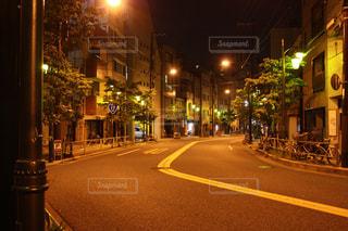 夜の街の景色の写真・画像素材[754837]