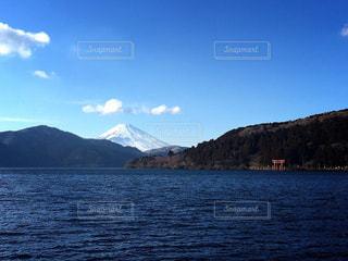 芦ノ湖と富士山の写真・画像素材[725659]