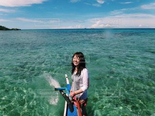 今みで見た海で1番綺麗な海の写真・画像素材[812650]