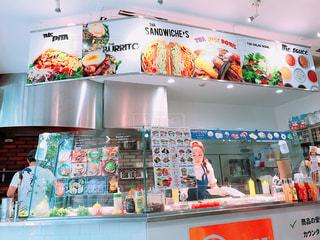 人気のサンドイッチ屋さんの写真・画像素材[1613246]