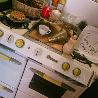 ストーブの上に食べ物 - No.726867