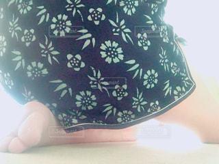 チャイナ服の女性の脚の写真・画像素材[727848]