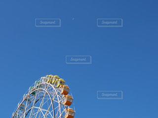 澄んだ青い空の写真・画像素材[1049473]