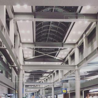 無機質な建物@仁川国際空港の写真・画像素材[954057]