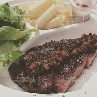 食品のプレートの写真・画像素材[729586]